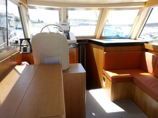 Motorboat Catarsi Calafuria 98 for hire