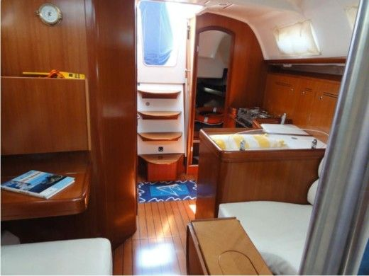 Sailboat Beneteau Oceanis 343 Clipper for hire