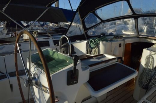 Beneteau Oceanis 411 in Vallauris peer-to-peer
