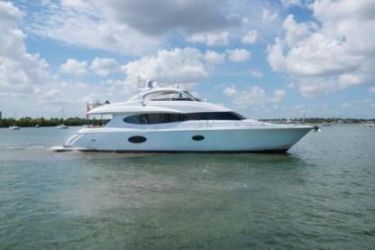 Charter Motorboat Lazzara 88 Miami