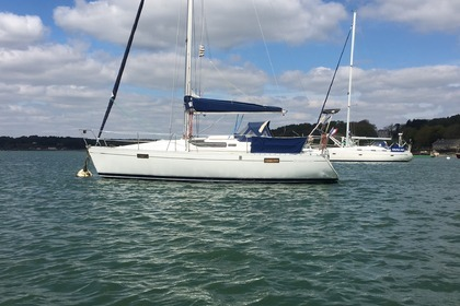 Rental Sailboat BENETEAU OCEANIS 320 Auray