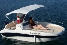 Motorboat Remus 450 for hire