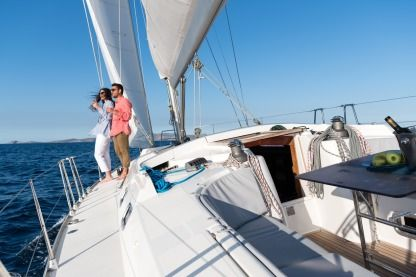 Charter Sailboat Hanse 430E Heraklion