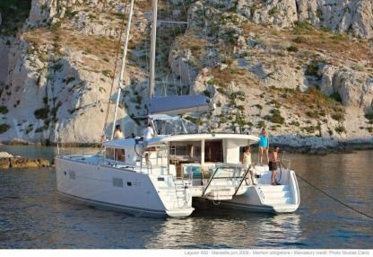 Location Catamaran Lagoon 400 S2 Aero Ibiza