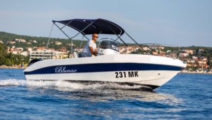 Rental Motorboat Blumax 550 Open Malinska