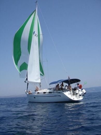 Sailboat Bavaria 37 Cruiser peer-to-peer