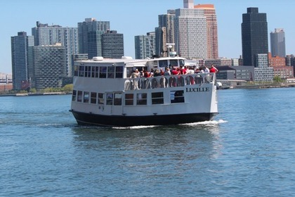 Hire Motorboat Classic Style Party Yacht 125-passenger New York