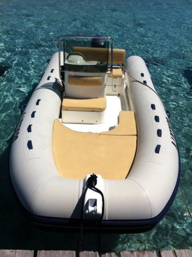 RIB Capelli Tempest 500 Luxe for hire