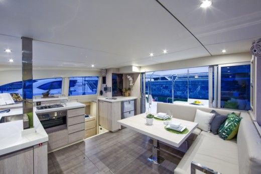Catamarano Robertson And Caine Leopard 40 da noleggiare