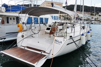Hire Sailboat BAVARIA CRUISER 46 Split