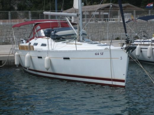 Sailboat Beneteau 393 for hire