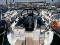 Sailboat Beneteau Oceanis 37