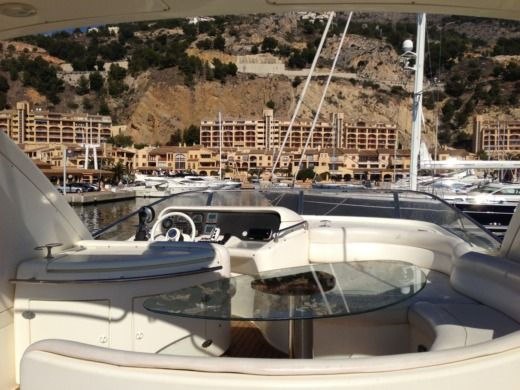 Charter motorboat in La Manga peer-to-peer