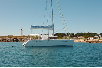 Hire Catamaran LAGOON 450 Flybridge Laurium