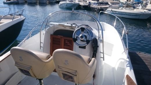 Beneteau Flyer 650 Open in Marseille