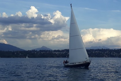 Rental Sailboat Mistral Sirocco 31 Geneva