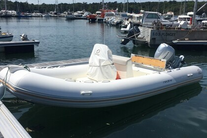 Hire RIB Zodiac Medline II Bénodet