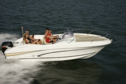 Rental Motorboat Beneteau Flyer 650 Open Punat