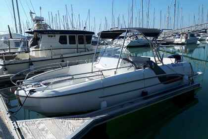 Rental Motorboat BENETEAU Flyer 7.7 spacedeck Pornic