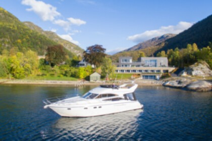 Hire Motorboat Princess 50 Flybridge Bergen