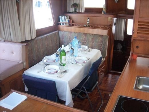 Lancha Beneteau Swift Trawler 44 entre particulares