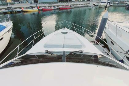 Hire Motorboat Gulf Craft 2010 Dubai Marina