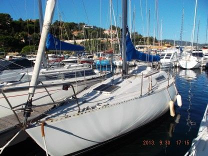 Charter Sailboat Beneteau First 30 Brest