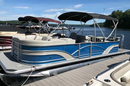 Hire Motorboat Sylvan Mirage 8524 Greentown