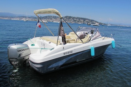Hire Motorboat BENETEAU FLYER 650 SUN DECK Cannes