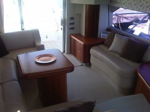 Barca a motore Sunseeker Manhattan 50 tra privati