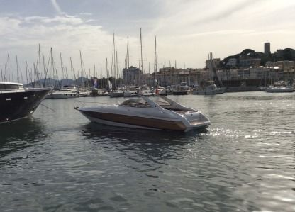Rental Motorboat Sunseeker 48 Cogolin