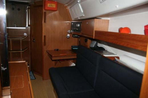 Sailboat Beneteau First 36,7 peer-to-peer