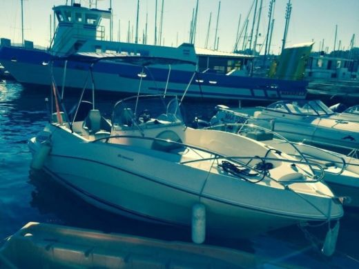 Quicksilver 6M30 Open in Marseille