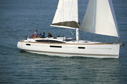 Hire Sailboat JEANNEAU 53 Keramoti