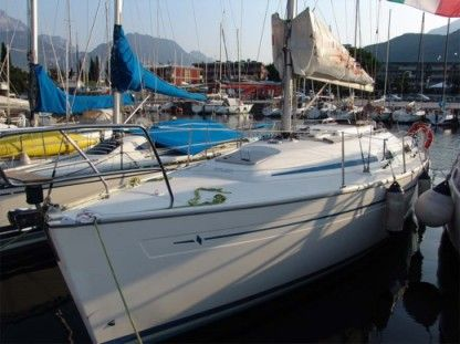 Rental Sailboat Bavaria 31 Riva del Garda