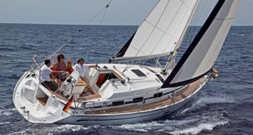 Sailboat Bavaria 33 peer-to-peer