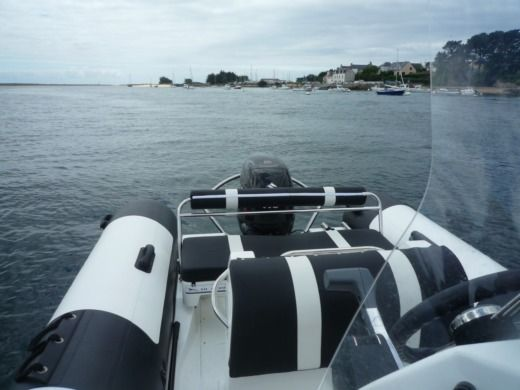 Charter rIB in Étel peer-to-peer