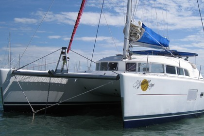 Charter Catamaran LAGOON 410 S2 Whitsunday Islands