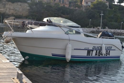 Motorboat Ostroda Yacht Quicksilver peer-to-peer