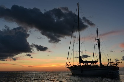 Rental Sailboat Fuji 32' Key West