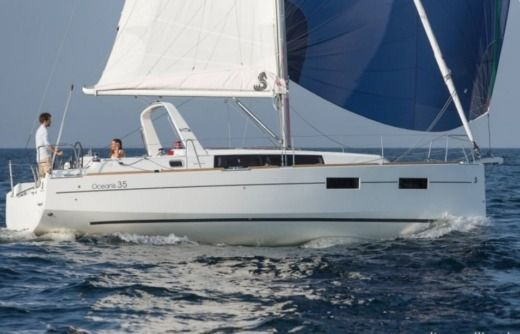 Beneteau Oceanis 35 in Split for hire