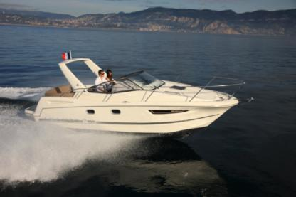 Rental Motorboat Jeanneau Leader 8 Port Grimaud