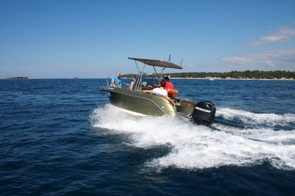 Hire Motorboat PICARO 20 Open Funtana