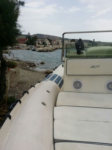 Joker Boat Coaster 650 in Reggio de Calabre peer-to-peer