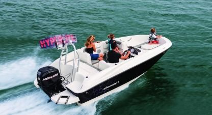 Charter Motorboat Bayliner Element 160 Altea