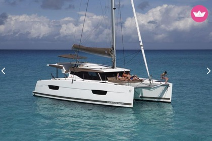 Hire Catamaran Fountaine Pajot Lucia 40 Fréjus