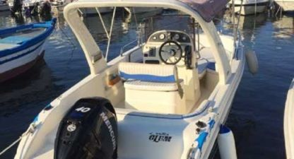 Rental Motorboat Blumax 580 Syracuse