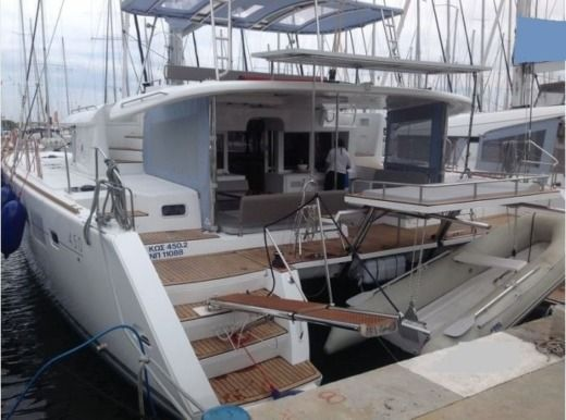 Lagoon 450 in Athens for rental