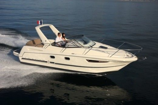 Jeanneau Leader 8 in Loctudy for hire