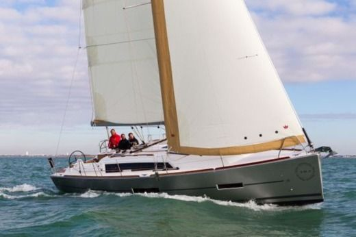 Sailboat Dufour 382 Grand Large peer-to-peer